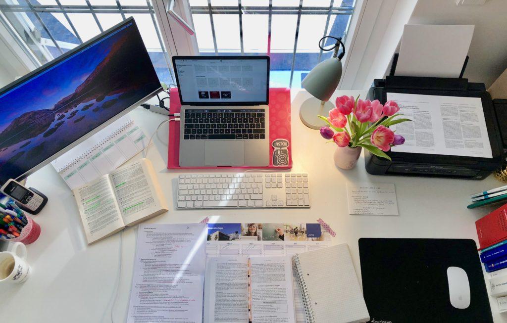 Schreibtisch organisation jura studium einfach carolin for Schreibtisch organisation