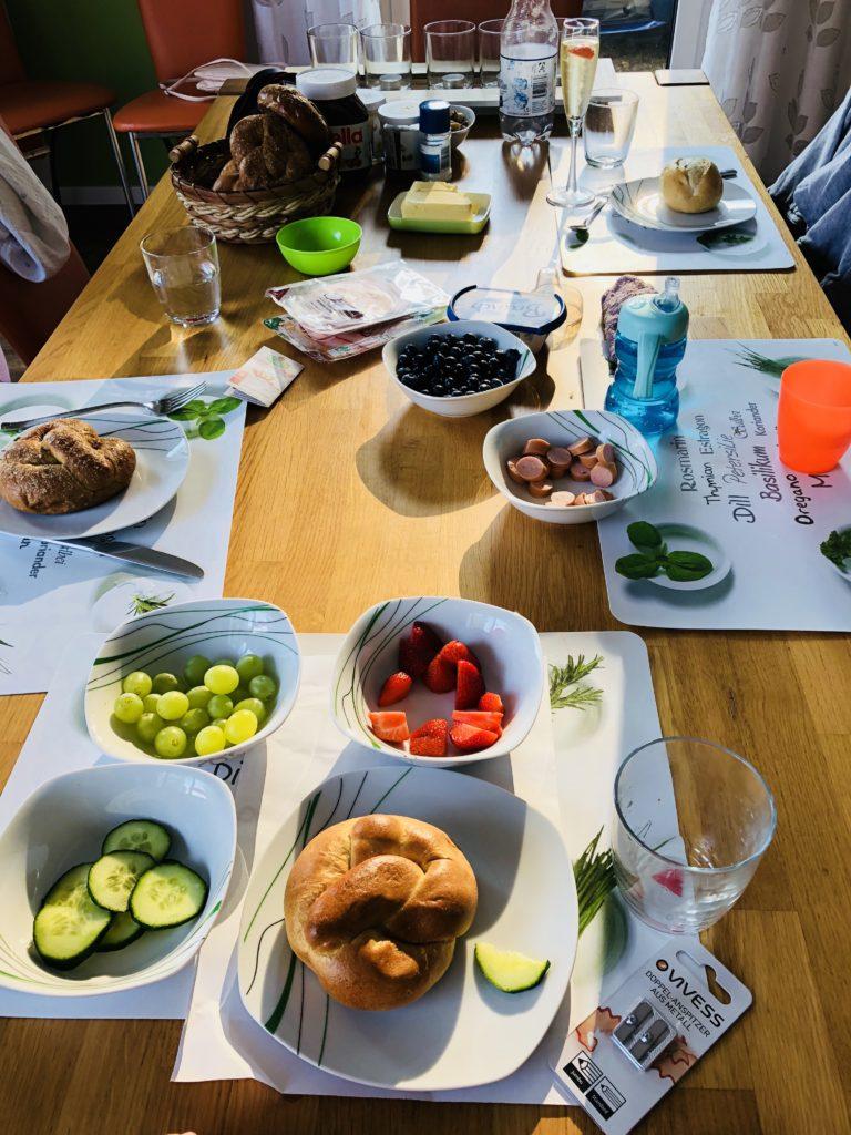 Frühstück im Ferienhaus