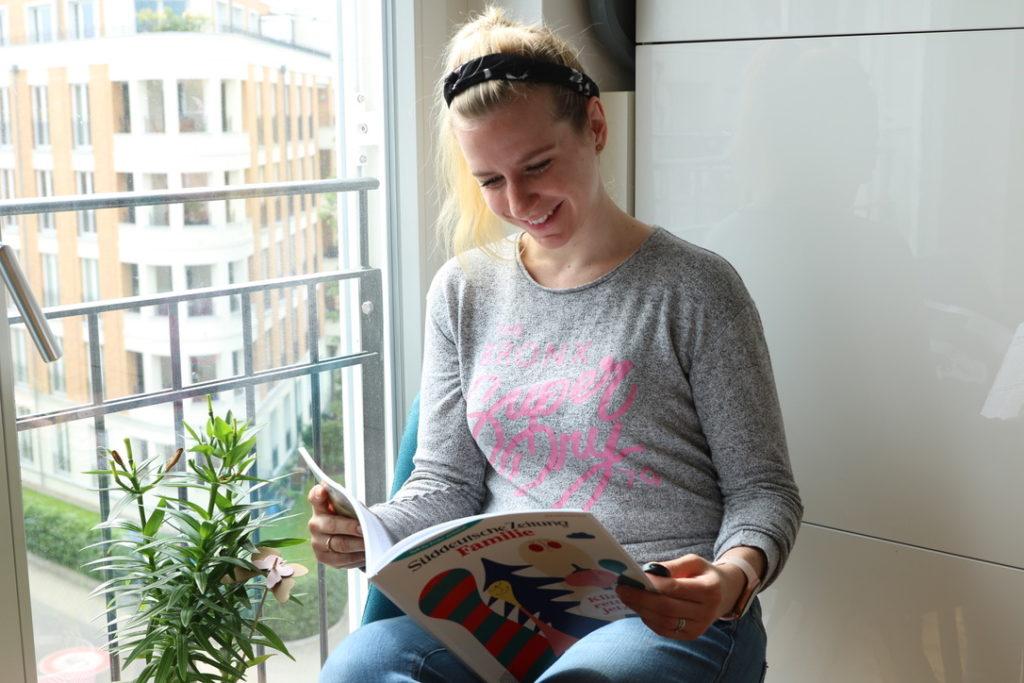 Süddeutsche Zeitung Familie Frau liest