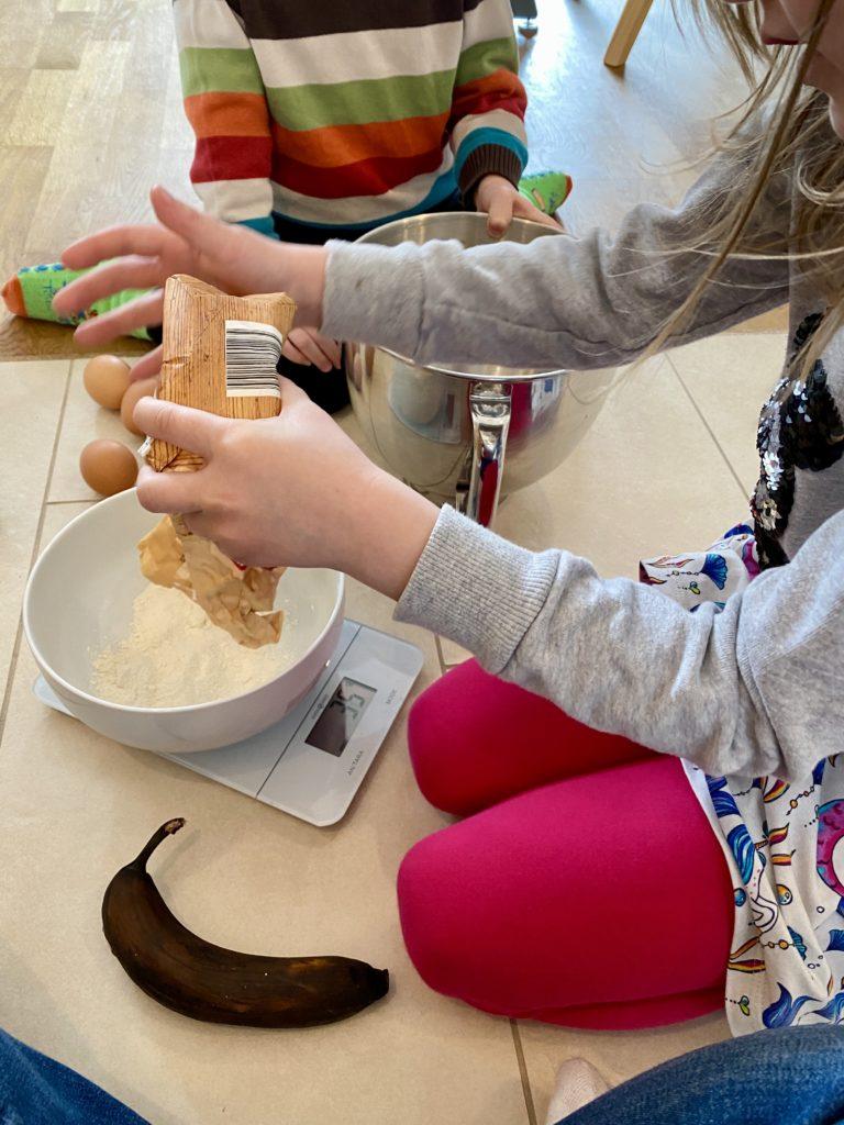 Bananenkuchen backen mit Kindern